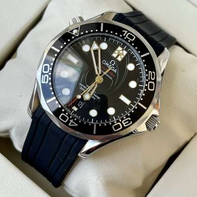 Omega Seamaster Diver 300M On Her Majesty's Secret Service 50th Anniversary Silver/Black
