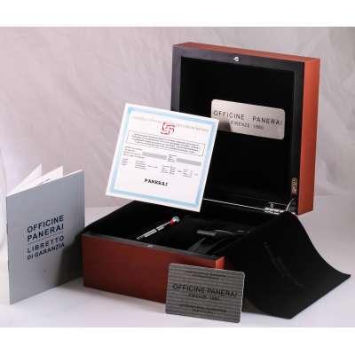 Коробка Officine Panerai с документами